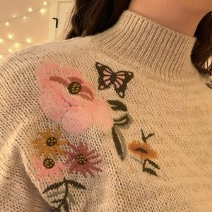 ☆ floral embroidered crop sweater ☆